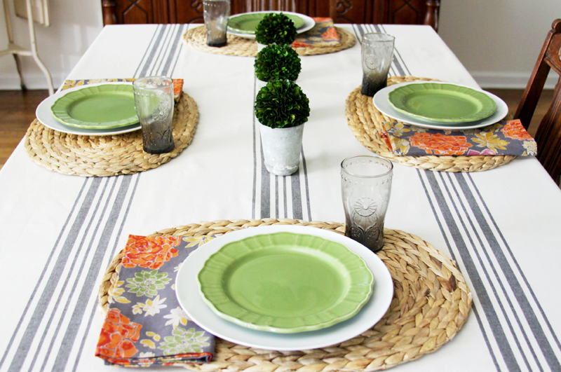 Farmhouse Table Setting for Fall