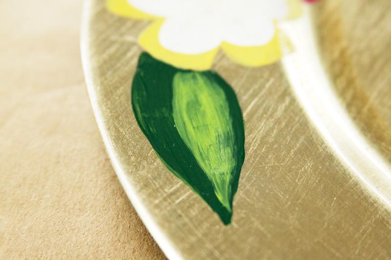Highlights Painted on Leaf
