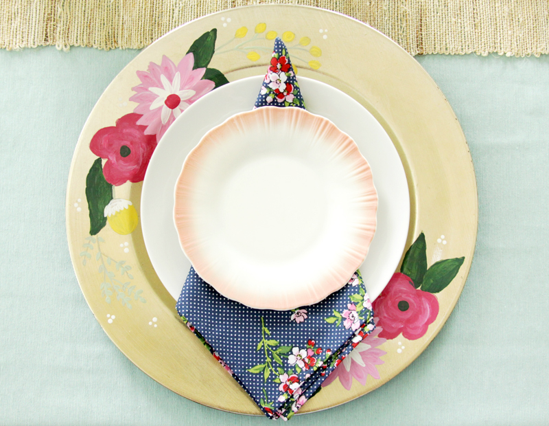 Vintage Style Floral Charger Setting