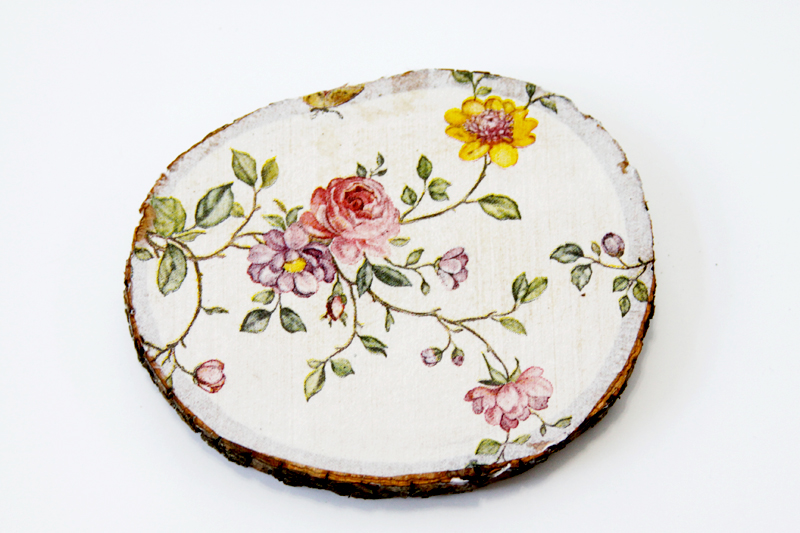 floral-napkin-mod-podged-on-wood-slice