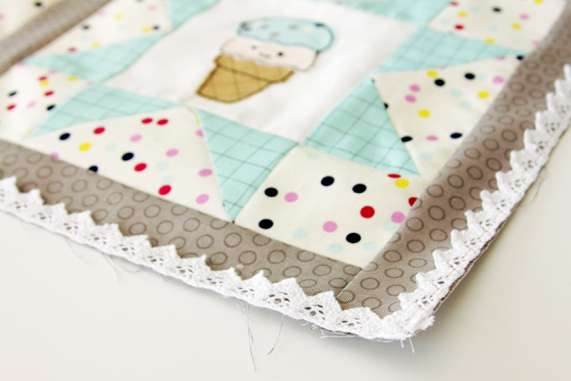 lace-on-mini-quilt