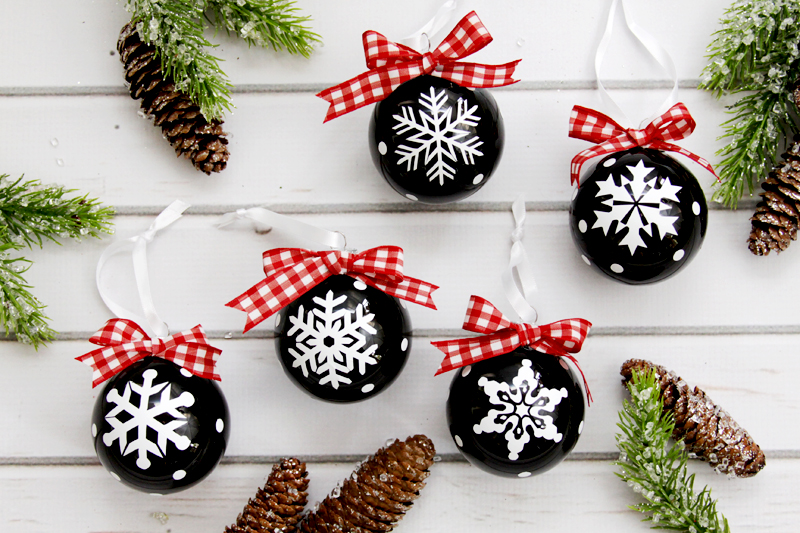 christmas-snowflake-ornaments