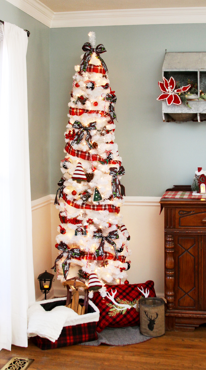 Colorful Plaid Farmhouse Christmas Tree