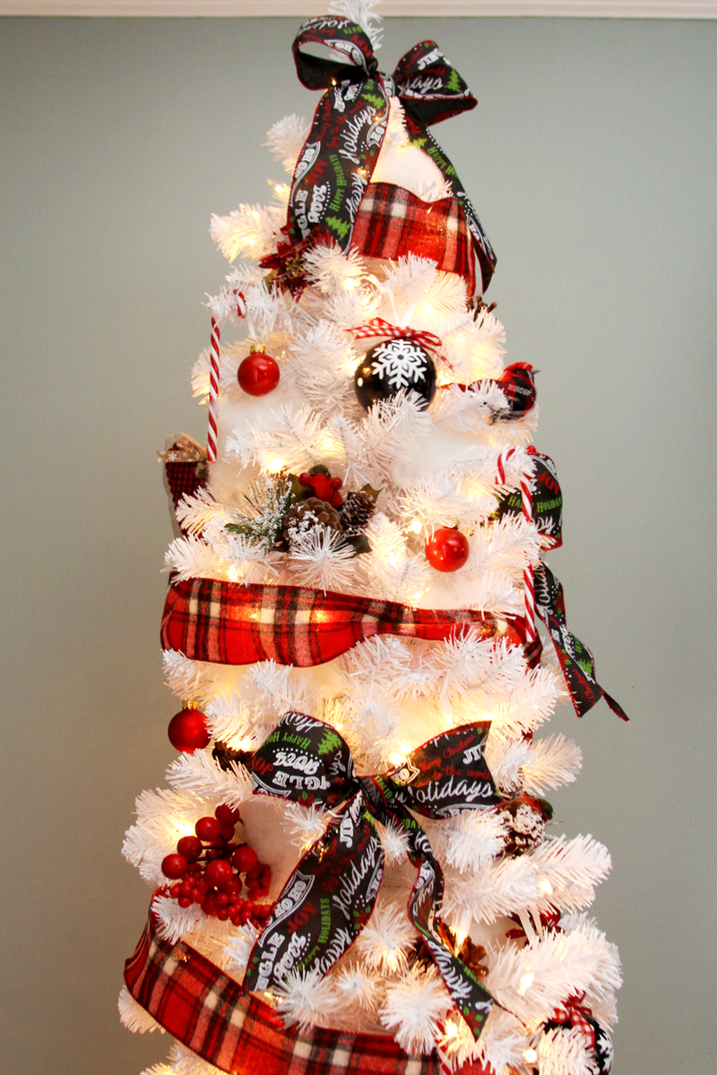 plaid-and-white-christmas-tree