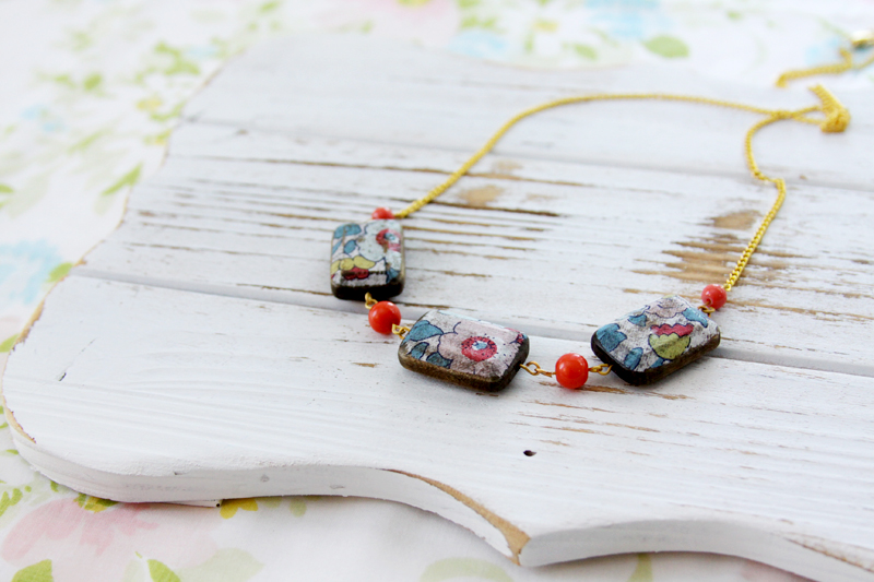 pretty-rustic-floral-necklace
