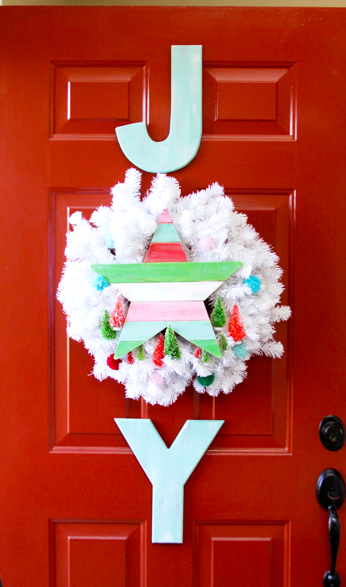 simple-joy-vintage-christmas-wreath