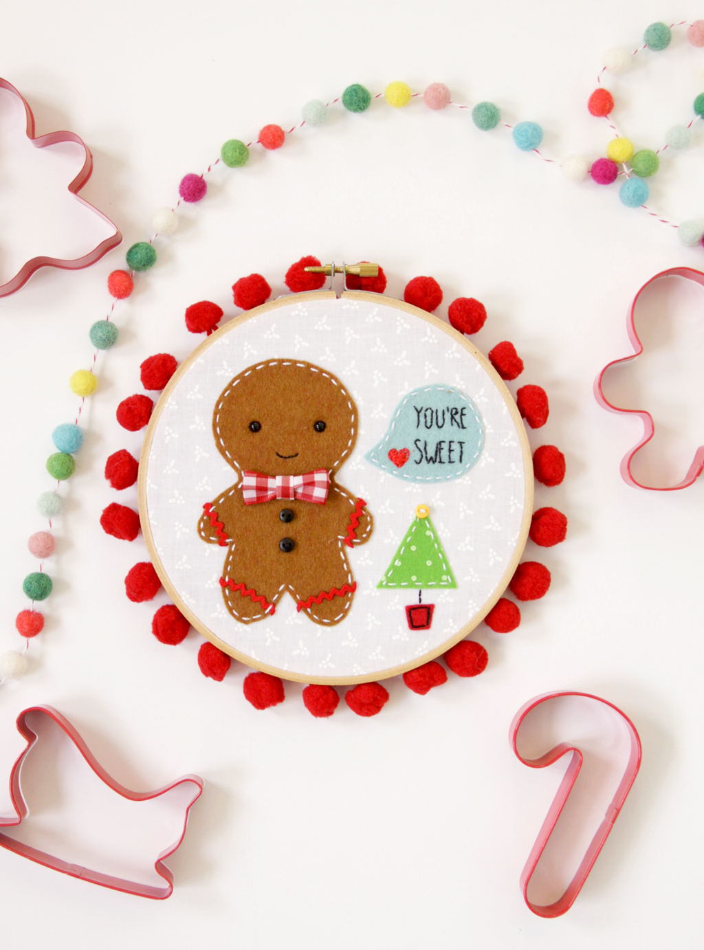 sweet-christmas-embroidery-hoop-art
