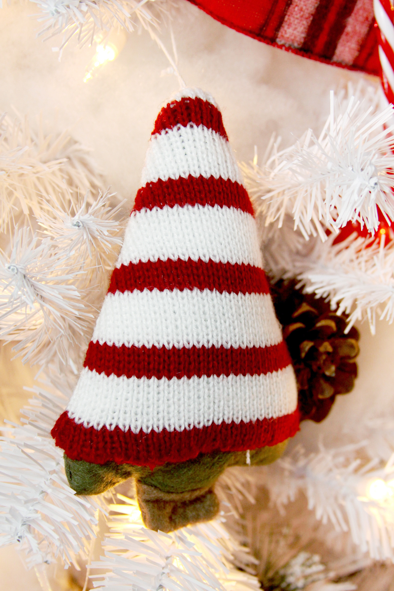 sweet-knit-christmas-tree-ornament