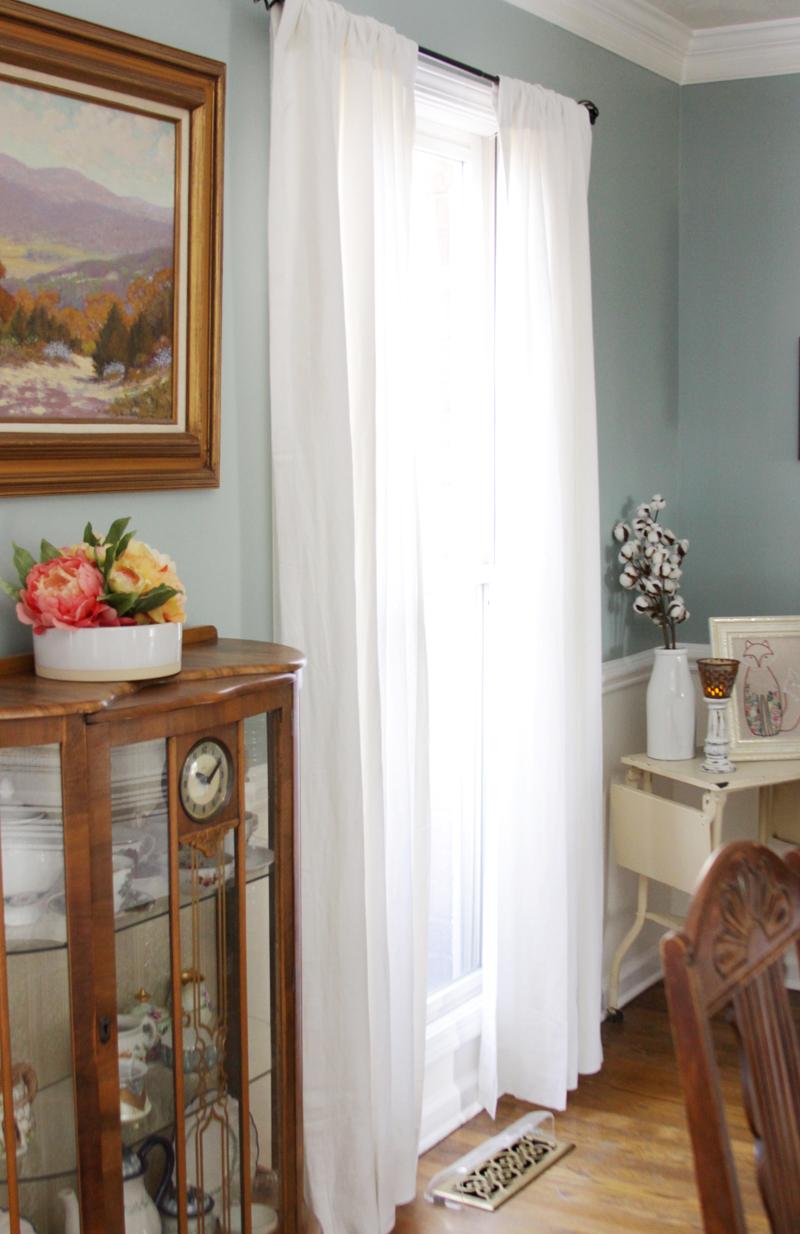 vintage-style-dining-room