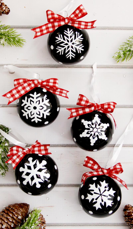vinyl-snowflake-ornaments