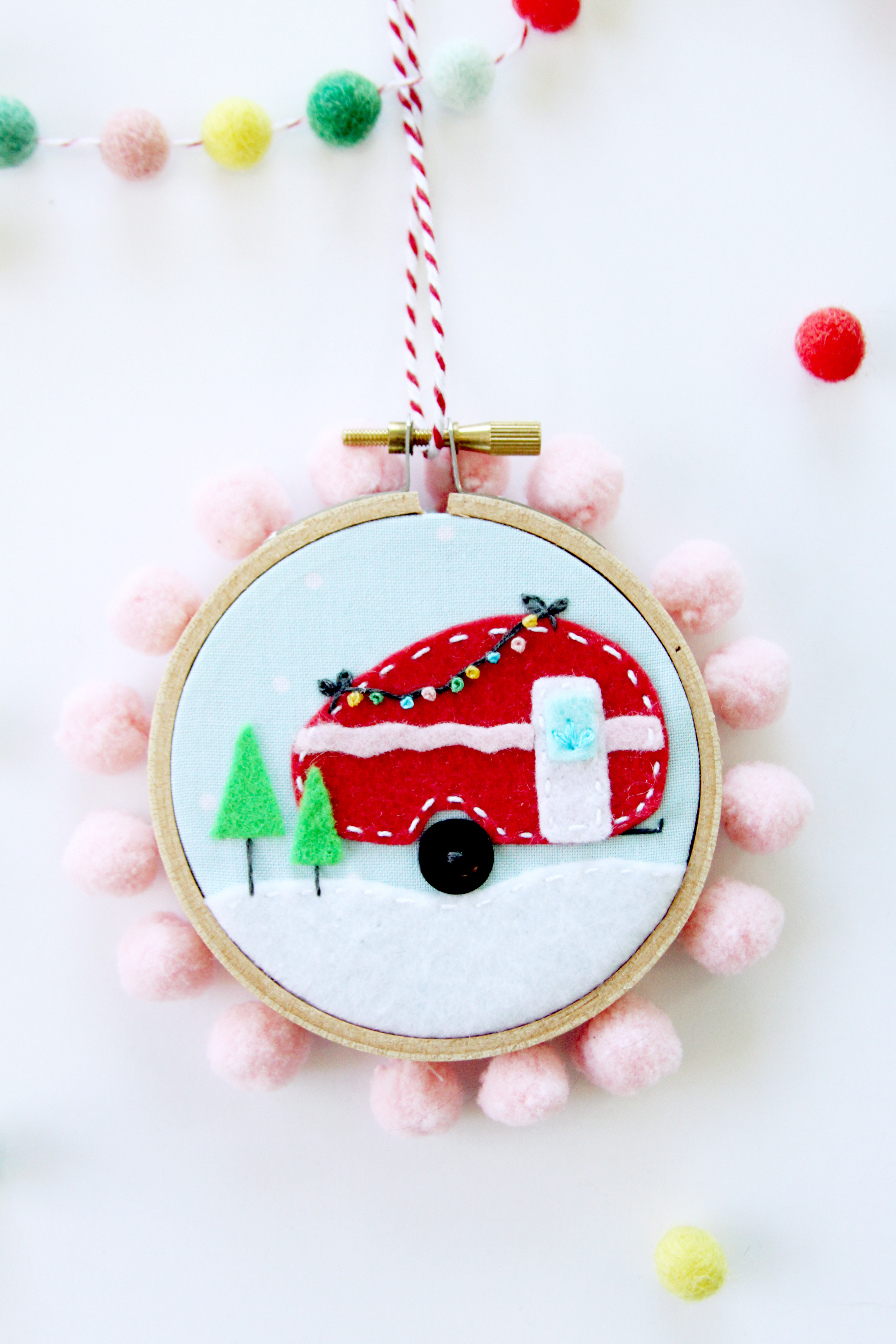 mini-camper-hoop-ornament