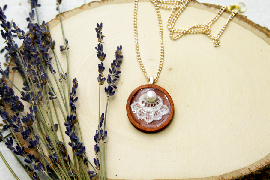 DIY Wood and Lace Pendant Necklace