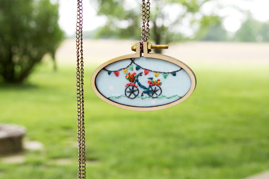 Mini Bicycle Embroidery Hoop Necklace - with Free Pattern!