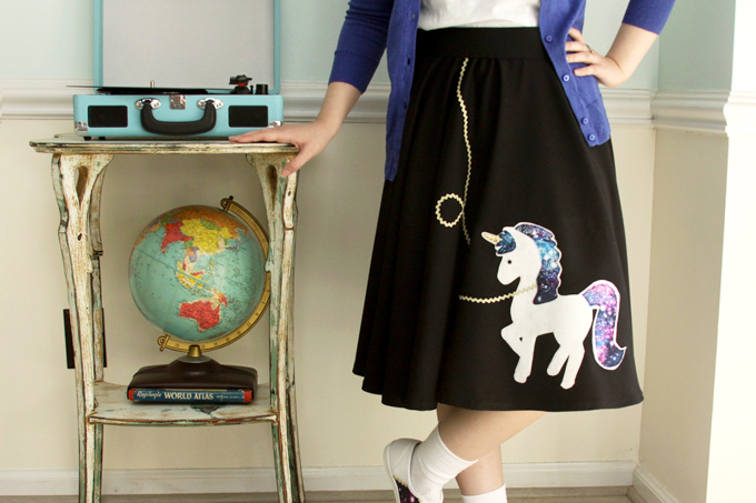 Retro 50's costume with Unicorn style