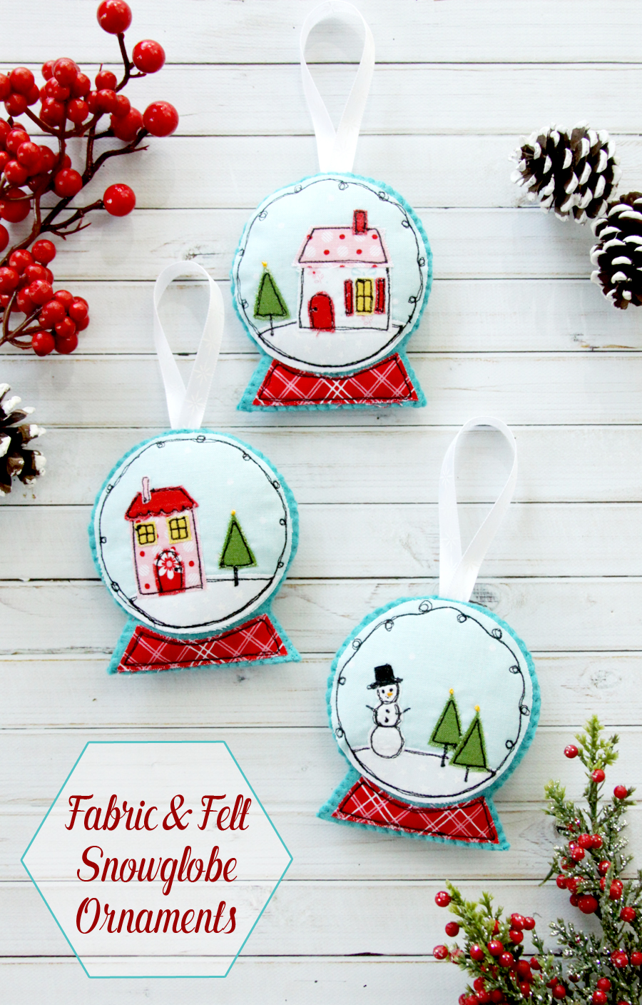 Fabric and Felt Snowglobe Ornaments | Fabulous and Fun DIY Christmas Ornaments by popular Tennessee craft blog, Flamingo Toes: image of stitched snow globe ornament.