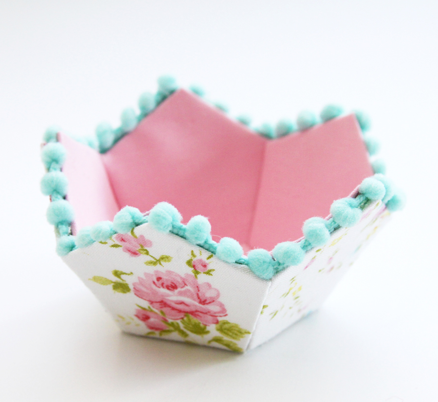 Vintage Sheet Fabriflair Bowl and Pincushion