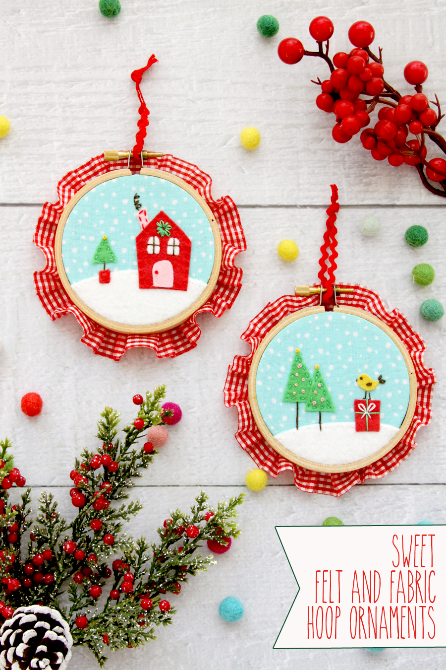 Fabulous and Fun DIY Christmas Ornaments by popular Tennessee craft blog, Flamingo Toes: image of a fabric and felt hoop ornament.