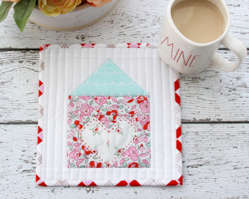 Pretty House and Home Mug Rug