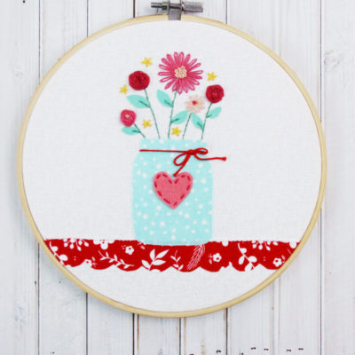 Sweet Mason Jar Vase Hoop – Free Embroidery Pattern!