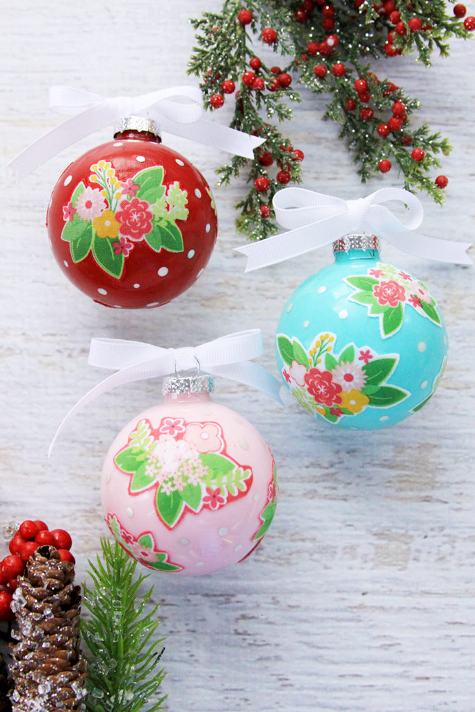 Fabulous and Fun DIY Christmas Ornaments by popular Tennessee craft blog, Flamingo Toes: image of floral DIY ornament.