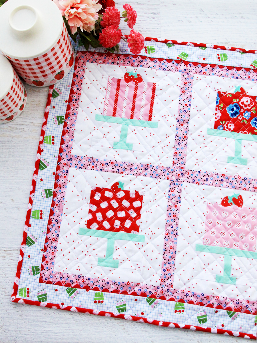 2019 Top Ten Quilting and Sewing Projects! by popular Tennessee quilting blog, Flamingo Toes: image of bakery window mini quilt.
