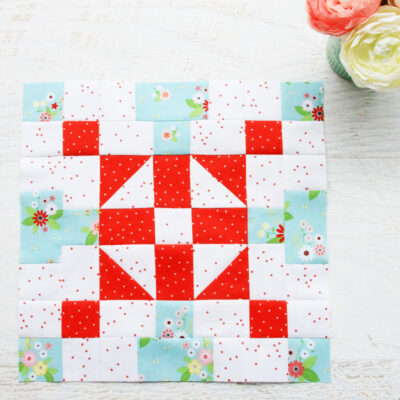 Merry Mini Quilt Sewalong Block 2