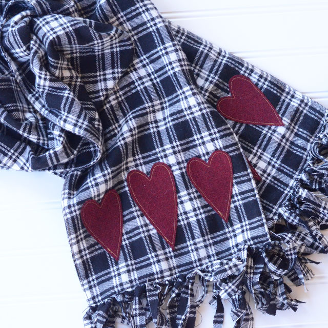 Flannel Sewing Projects featured by top US sewing blog, Flamingo Toes: heart flannel scarf