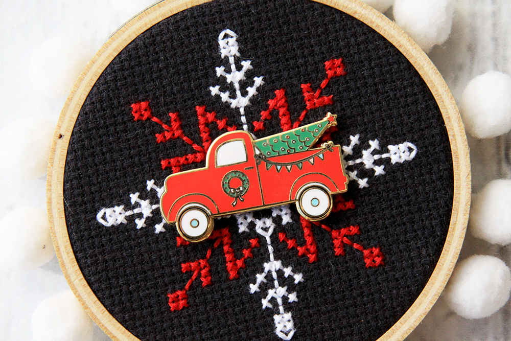I'll Be Home for Christmas Cross Stitch Pattern by popular Tennessee quilting blog, Flamingo Toes: image of a Christmas truck needle minder.