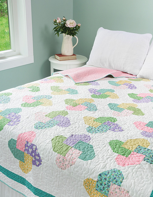 Fresh Fat Quarter Quilts Table Runner by popular Tennessee quilting blog, Flamingo Toes: image of a Fresh Fat Quarter Quilt.