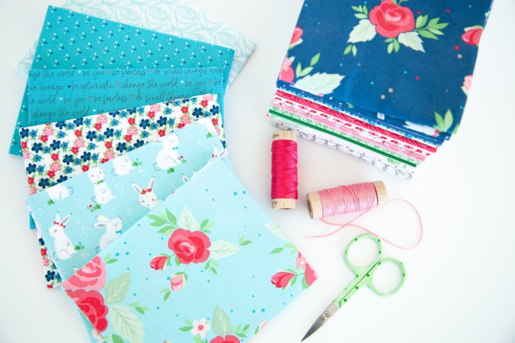 Winifred Rose Mini Quilt by popular US quilting blog, Flamingo Toes: image of a Winifred Rose fabric.