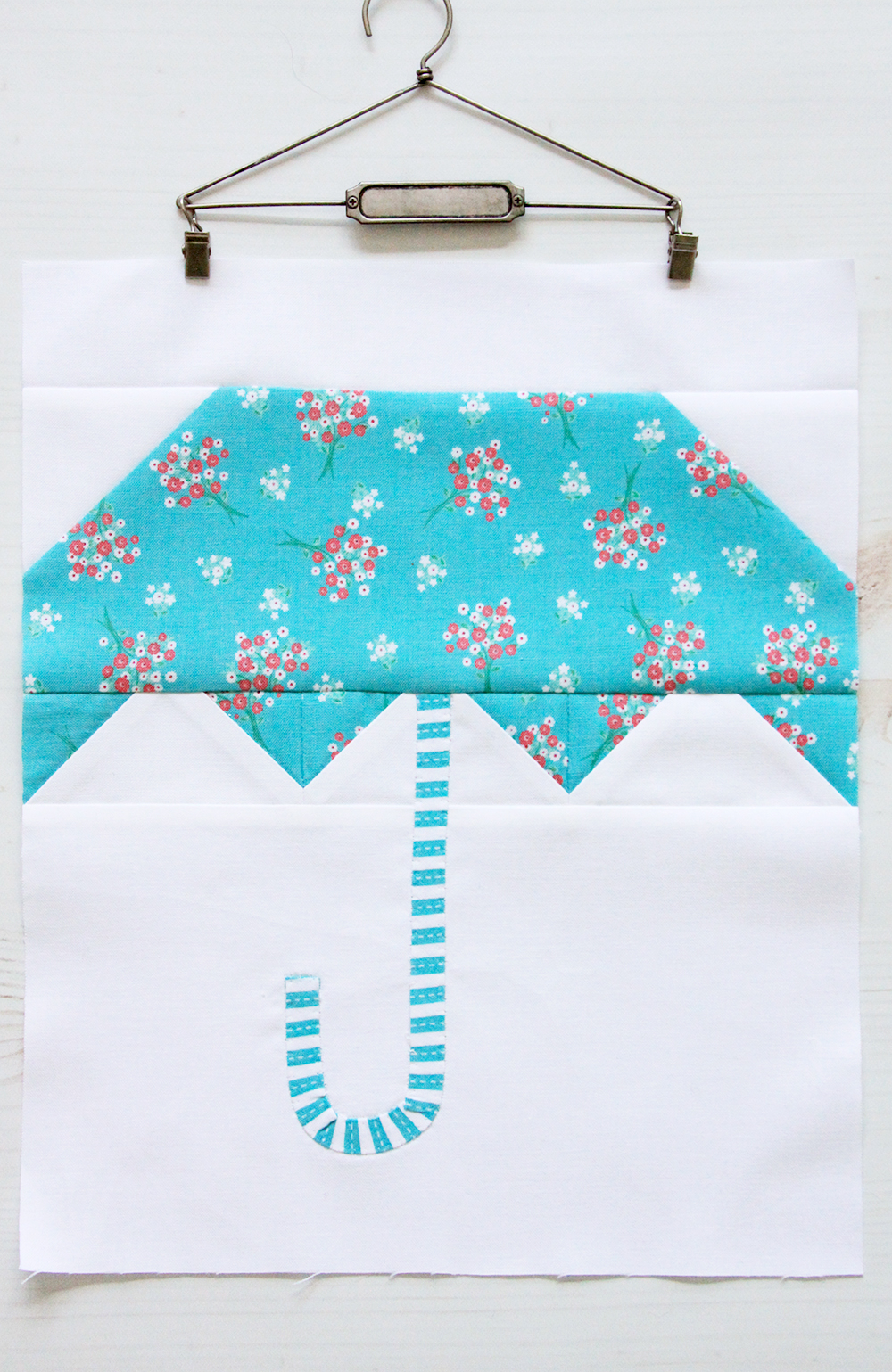 Cute and Easy Umbrella Quilt Block