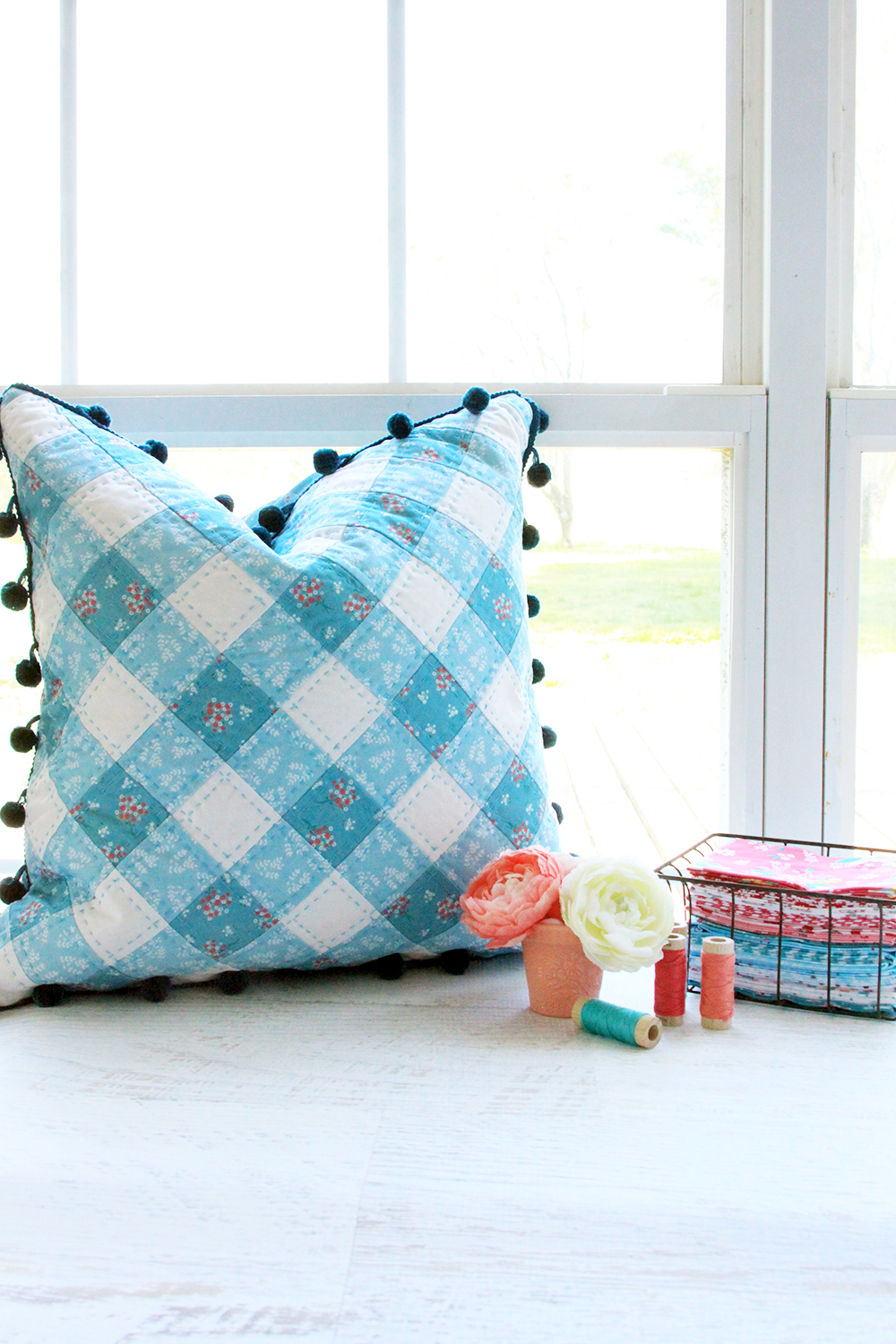 Patchwork Gingham PIllow with Free Pattern